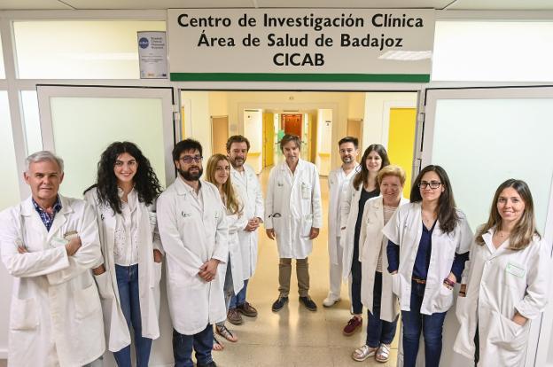 Equipo del Centro de Investigación Clínica de Badajoz (Cicab) encargado del proyecto. :: J. V. ARNELAS/
