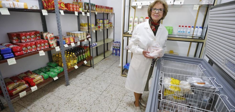 «Vivimos los peores años con la crisis; vinieron hasta profesores a por comida»