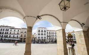 Las rehabilitaciones de la Plaza Mayor de Cáceres mejoran el entorno sin atraer vecinos