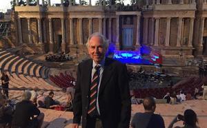 El hijo de Robert Graves asiste al estreno de la ópera basada en su novela 'Yo, Claudio' en el Teatro Romano de Mérida