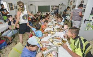 El Gurugú repite su comedor estival para más de sesenta niños pacenses