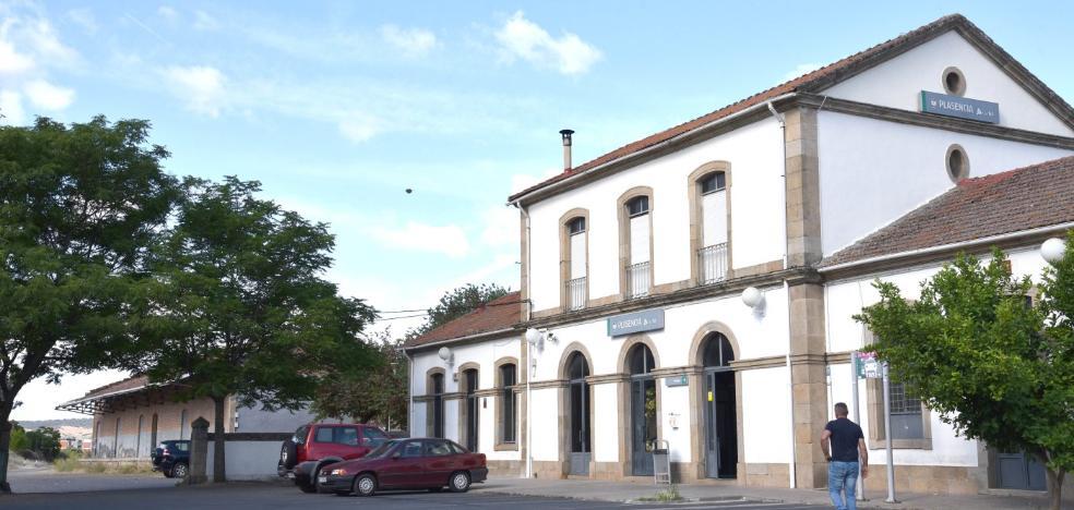Pizarro anuncia que la reforma de la estación de Plasencia comenzará en septiembre
