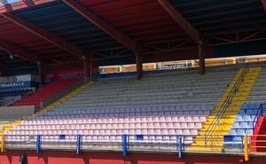 El Extremadura inicia el cambio de asientos del estadio