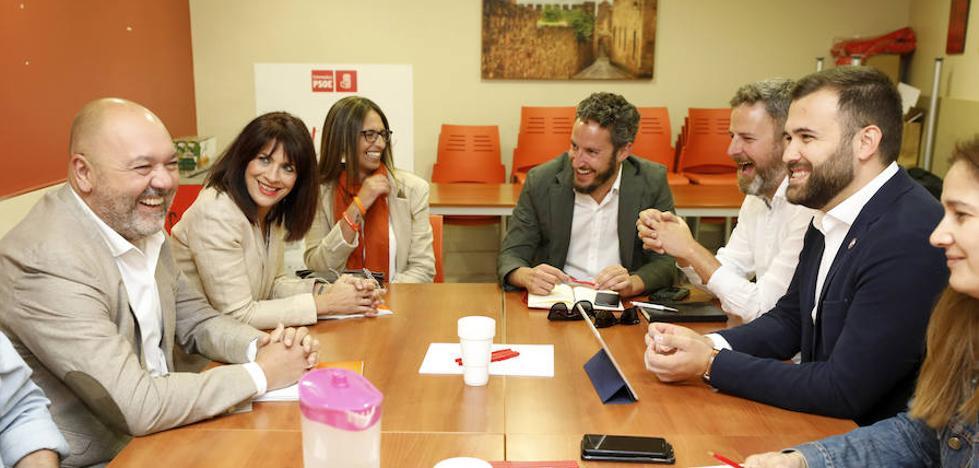 Cs se acerca al PSOE en Cáceres, que confía en cerrar un acuerdo en las próximas horas