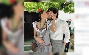 Eva González disfruta de la Romería del Rocío con sus amigos