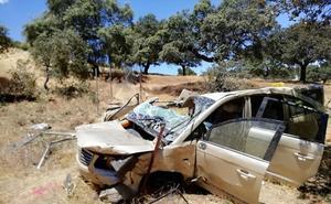 En estado crítico una mujer tras una salida de vía en la Autovía de la Plata