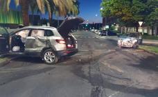 Dos personas resultan heridas en un choque entre dos coches en la barriada pacense de Pardaleras