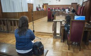Juzgan en Badajoz a una mujer acusada de robar 45.000 euros a la jubilada que cuidaba