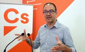 Polo insiste en que no hay prisa para tomar una decisión sobre los pactos en Cáceres y Badajoz
