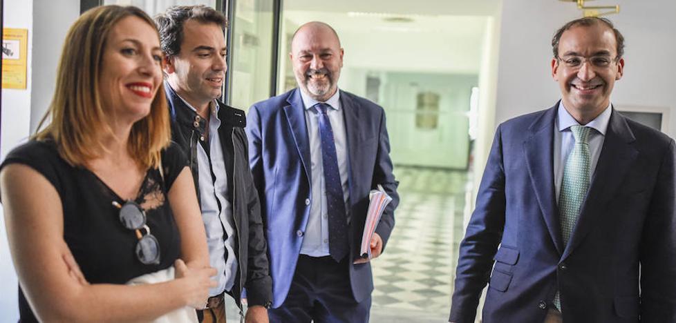 PP y Cs cierran su segunda reunión sin acuerdo y la alcaldía de Cáceres sigue en el aire