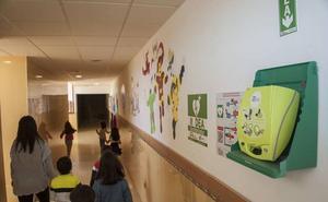Educación instalará este año desfibriladores en 225 centros