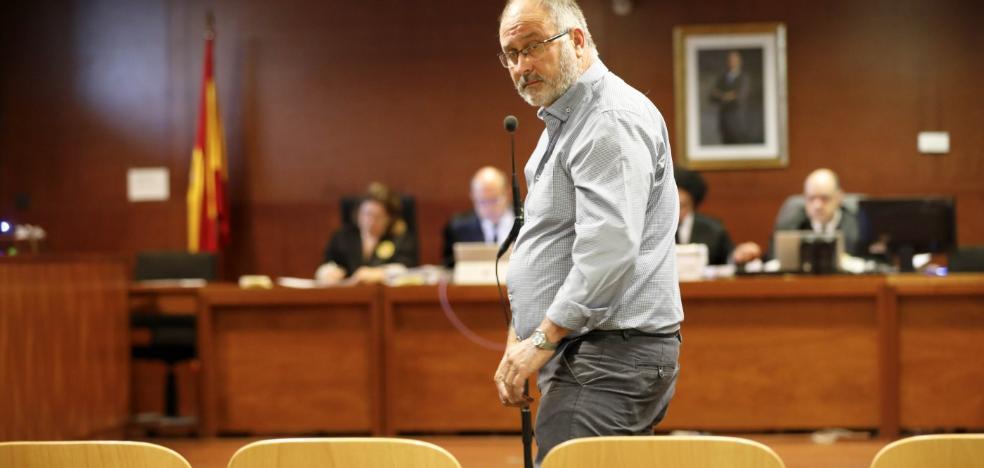 El alcalde de Holguera José Luis Garrido es juzgado por ceder a un vecino un invernadero del pueblo