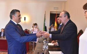 Ballestero toma posesión de la alcaldía de Coria tras su tercera mayoría absoluta consecutiva