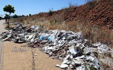 Escombros y ripios en el entorno de Casaverde