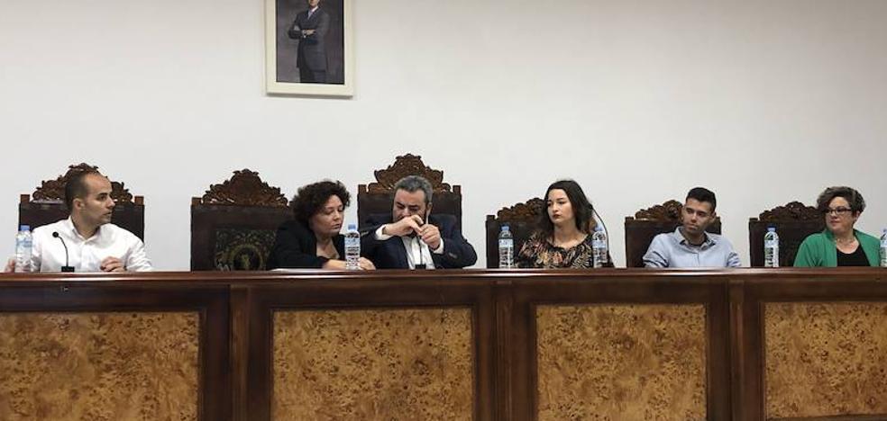 PSOE e IU se ausentan del pleno y no hay investidura en Zalamea