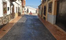 Concluyen las obras de remodelación de tres calles en Casas de Miravete