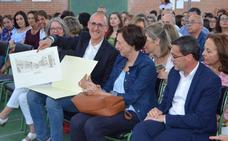 El instituto San José de Villanueva de la Serena despide a su director, Raúl Aguado