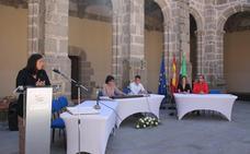 La alcaldesa de Calera de León toma posesión sin los concejales del PP