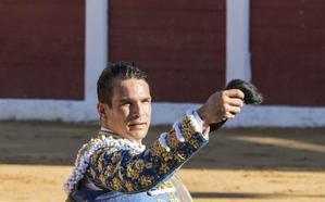 Gran faena de Morante y salida a hombros de Manzanares y Marín en Plasencia