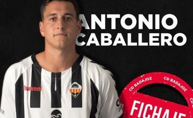 El mediocentro Antonio Caballero se incorpora al CD Badajoz