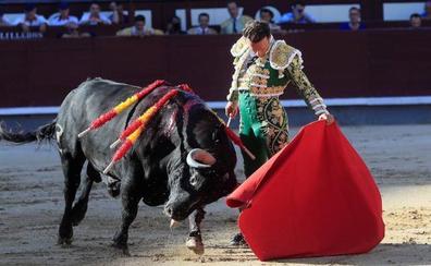 Antonio Ferrera, premio a la mejor faena de la feria de San Isidro