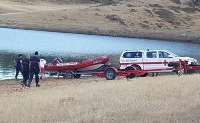 La Guardia Civil incorpora una cámara subacuática en la búsqueda del hombre en Cijara