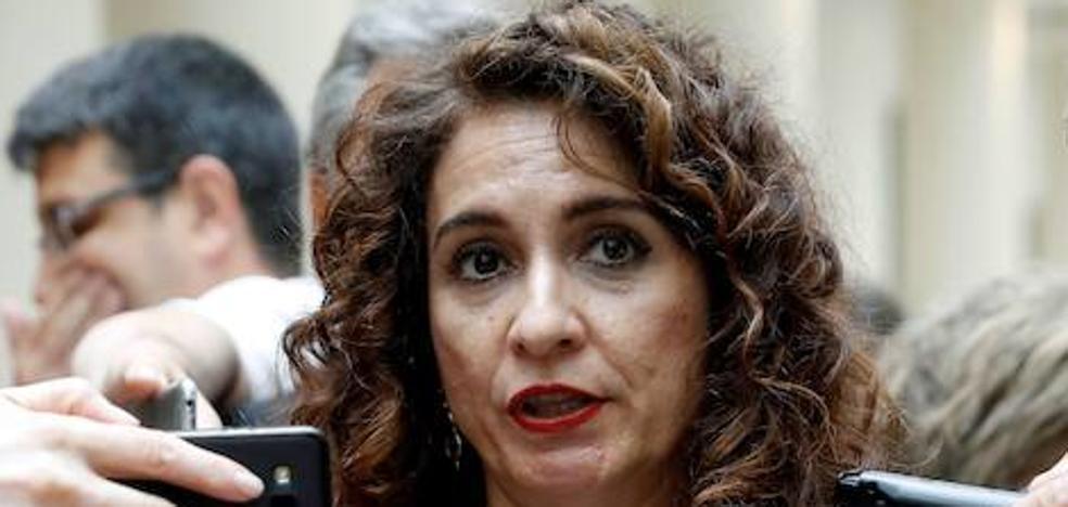 La ministra Montero justifica la irrupción de Hacienda en la boda de Badajoz