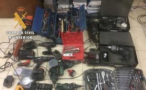 Detenido por robar herramientas y dinero en efectivo en una empresa de Rosalejo