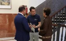PP y Vox paran las negociaciones en Badajoz hasta que se aclare el pacto en Madrid