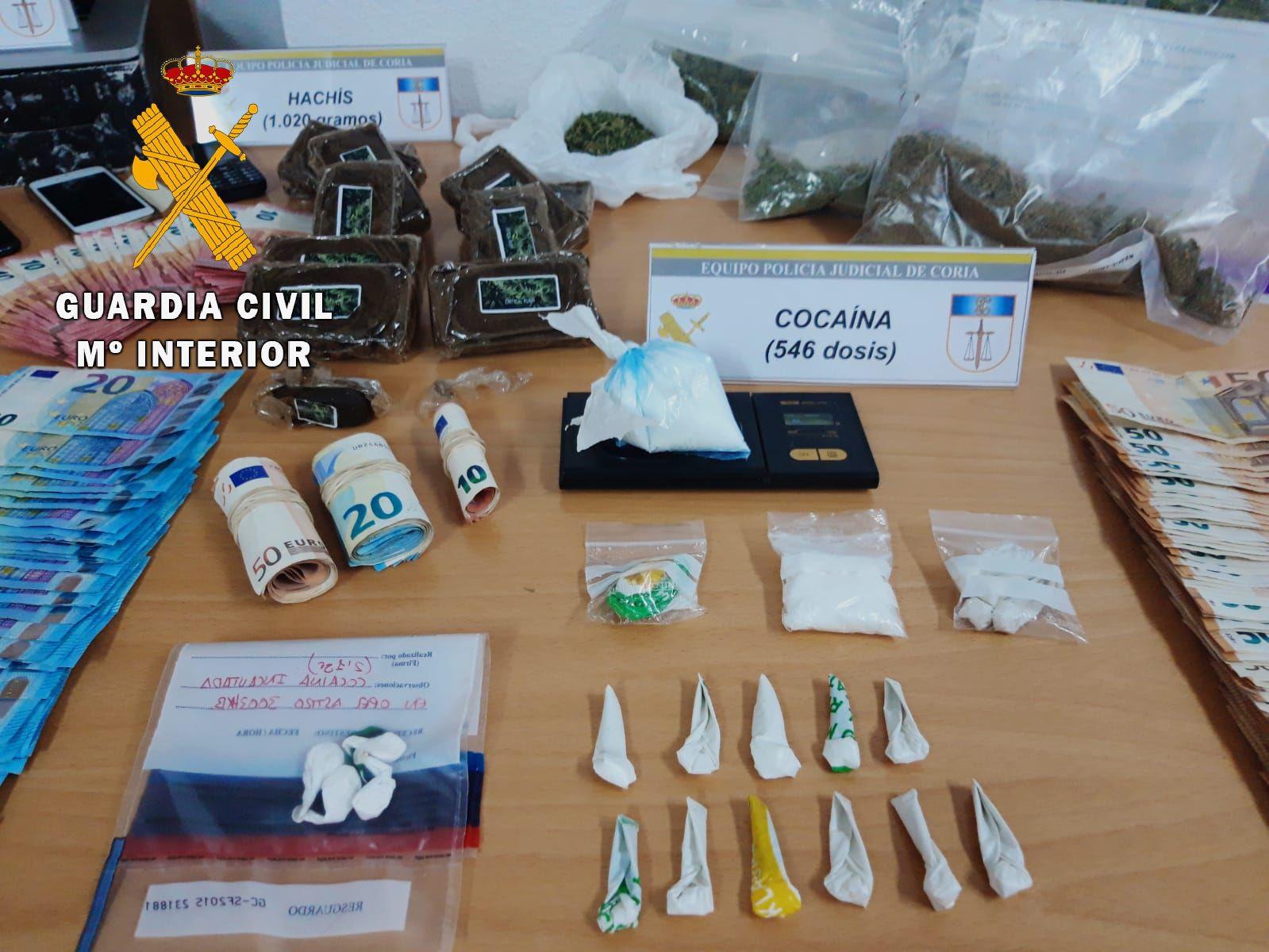 Desmantelan cuatro puntos de venta de droga en Coria y detienen a 5 personas
