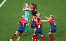 Los penaltis llevan a Noruega a cuartos