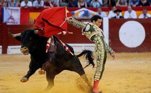 Emilio de Justo no toreará en Badajoz y será sustituido por David de Miranda