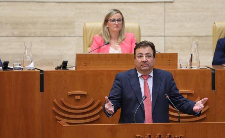 Comienza el pleno de investidura de Fernández Vara