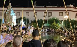 Más de 2.500 personas se congregan en la Mojá de Varas de Zafra durante la noche de San Juan