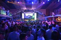 Gran ambiente en el ferial de Caya en la noche del sábado