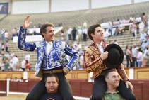 Triunfo en familia con los rejones en Badajoz