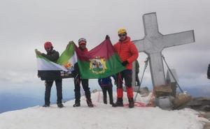 El pico Aneto, otra cumbre más para el sordociego extremeño García Pajares