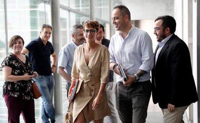 Navarra Suma y EH Bildu redoblan la presión sobre los socialistas navarros