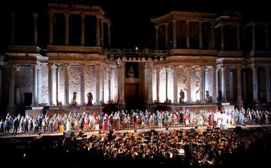 La ópera 'Sansón y Dalila' conquista el Teatro Romano en el arranque del Festival de Mérida