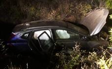 Herida grave una mujer de 60 años tras una salida de vía en un cruce cerca de Retamosa