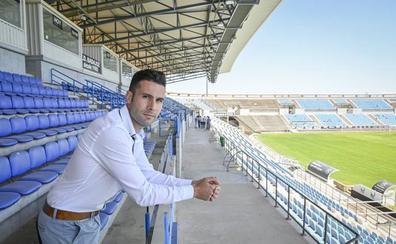 Álvaro Trigo, director general del CD Badajoz: «No tenemos campo para entrenar»