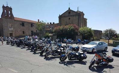 El Festival Rolling Custom Rock de Plasencia aúna motos y música