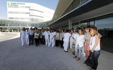 Enfermeras y auxiliares protestan por la mala organización en el Universitario de Cáceres