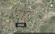 Dos hombres resultan heridos en un accidente laboral tras caer desde un tejado en Brozas