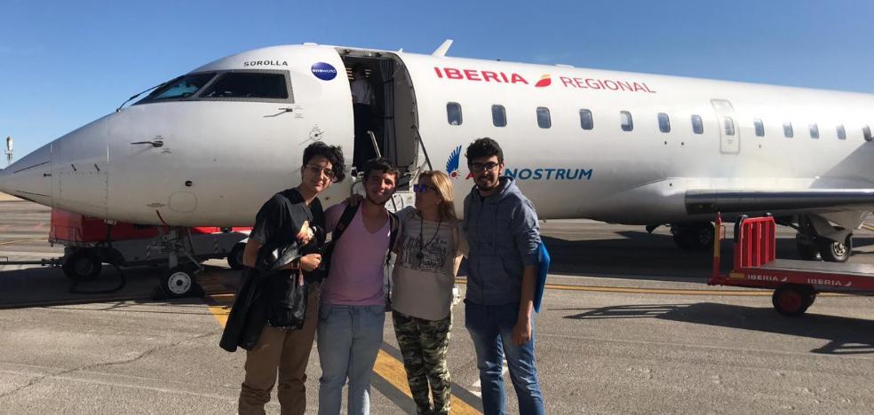 350 alumnos vuelan gratis a Madrid y Barcelona en lo que va de año