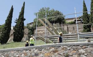 Arranca la rehabilitación de la muralla tras una década de espera