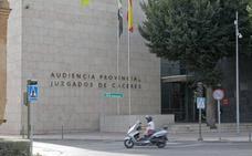 Juzgan en Cáceres a dos jóvenes que se quedaron con 50.000 euros hallados en una casa abandonada