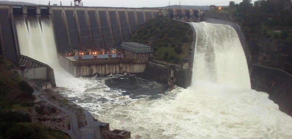La producción de energía hidroeléctrica compensó la caída de la solar en 2018