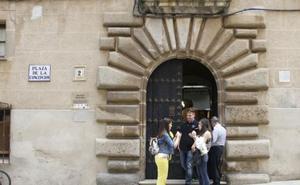 Dos exposiciones para visitar en el Palacio de la Isla de Cáceres