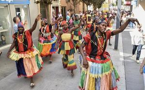 Bailes folklóricos a cuarenta grados